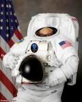 Danny DeVito astronaute viril homme